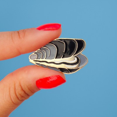 Mussel Pin
