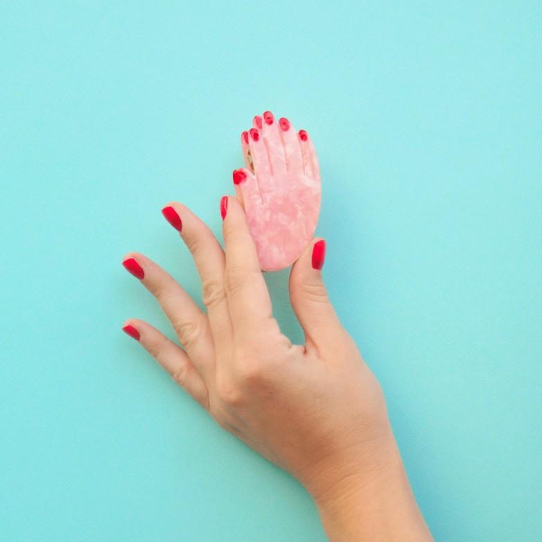 Hand Hair Claw